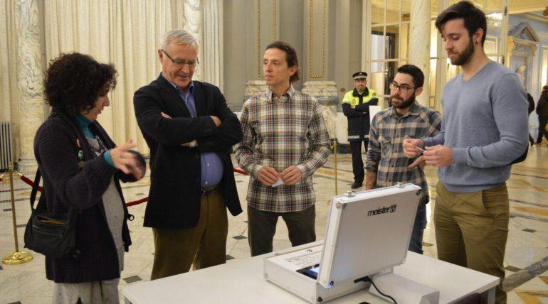 La Càtedra Govern Obert impulsa el desenvolupament d'una urna digital a València