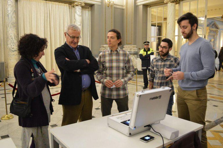 (Español) La Cátedra Govern Obert impulsa el desarrollo de una urna digital en València
