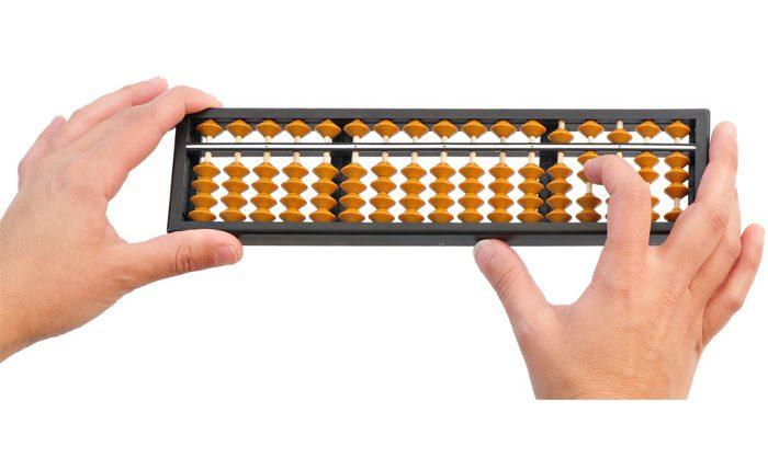 Jornada sobre manejo de ábaco japonés del Museo de Informática UPV