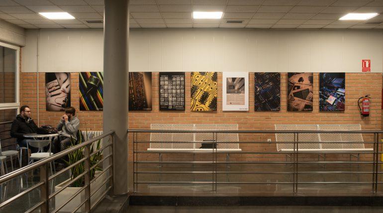Un café en el Museu d'Informàtica al costat d'Álvaro Domenech i el seu relat fotogràfic